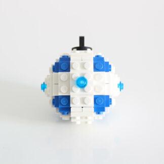 Photo d'une boule de Noel bleu en Lego